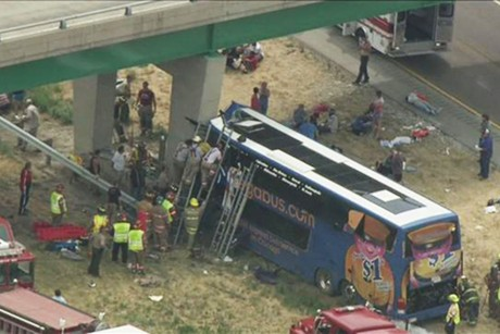 megabus-crash-illinois.jpeg-460x307.jpg
