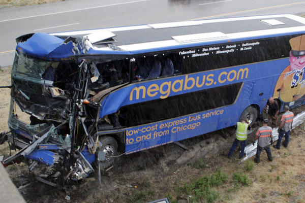 Megabus accident in Illinois